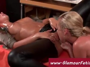 Glamour lesbos play with oil and latex