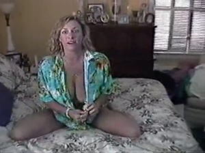 UNCUT  Awesome Ashley  Moms Bed ( Milf Homemade Fuck )