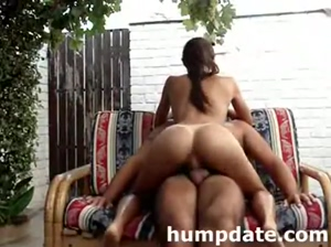 Stunning girlfriend with sexy ass rides cock
