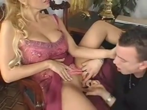 milfsonly.blogspot.comHot Milf gets fucked